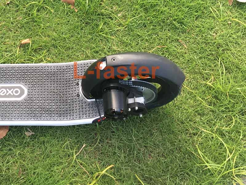 oxelo-town-9ef-scooter-with-this-customized-motor-kit-1